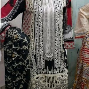 Kameez shalwar embroided